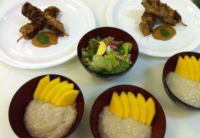 Culinária: Khao Niam Ma Muang