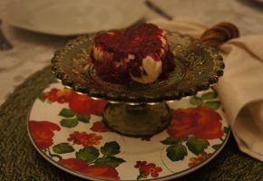 Culinária: sorvete com brigadeiro e calda de frutas