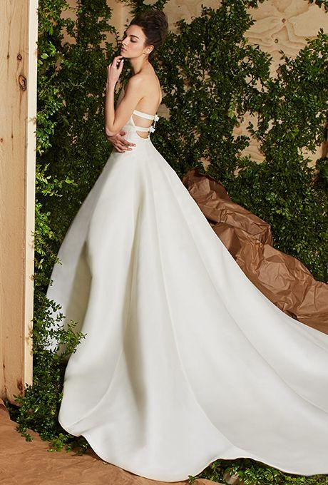 carolina-herrera-wedding-dresses-spring-2017-015