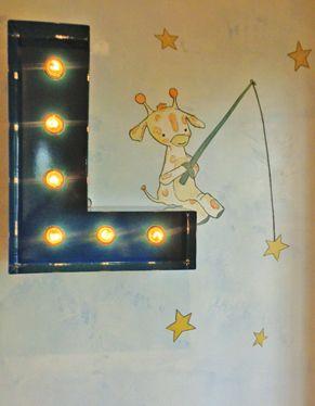girafa pescando estrelas